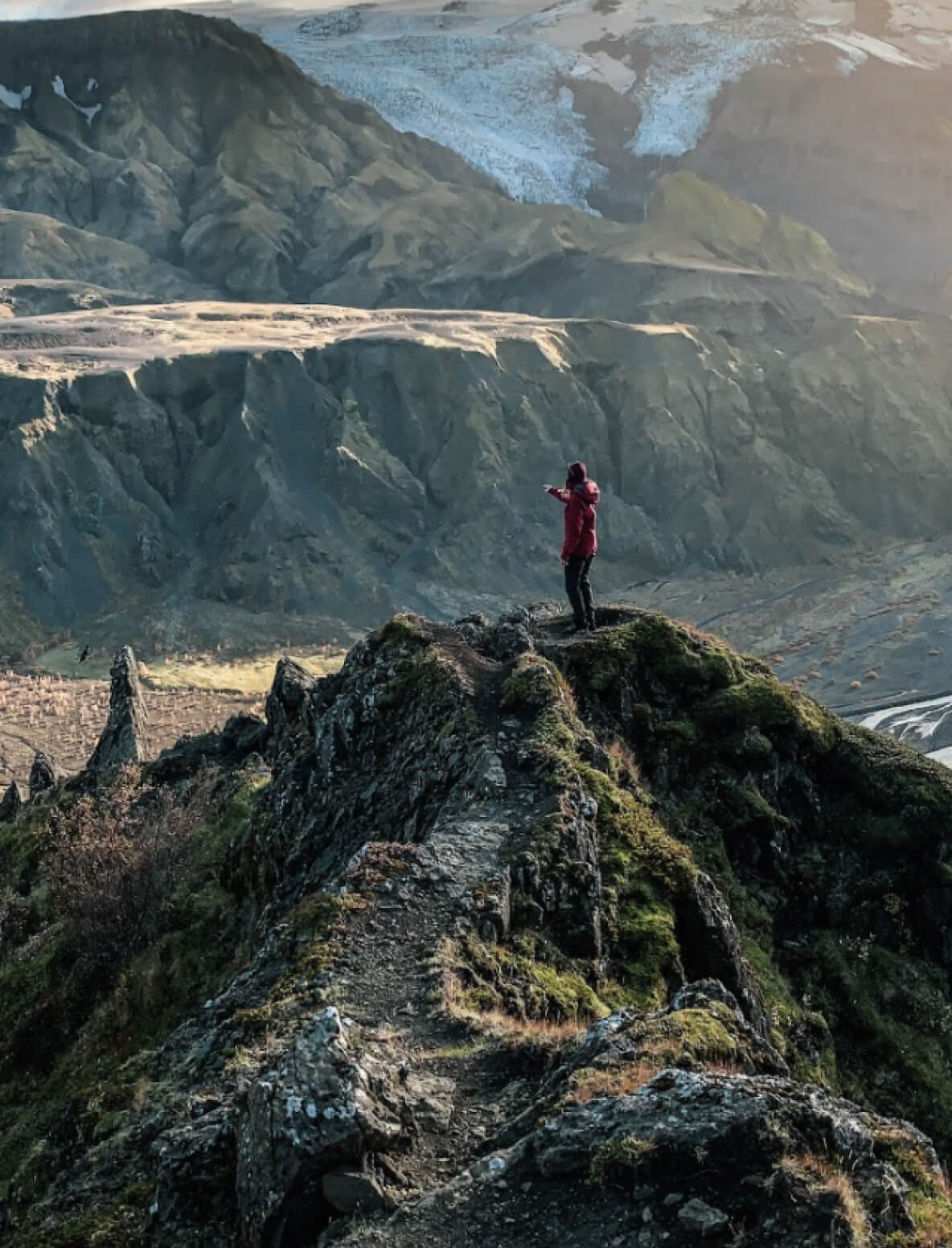 The hiking trails in Iceland will take you through different seasons and diverse landscapes.