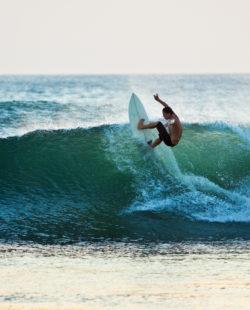 Tamarindo Bay surfing