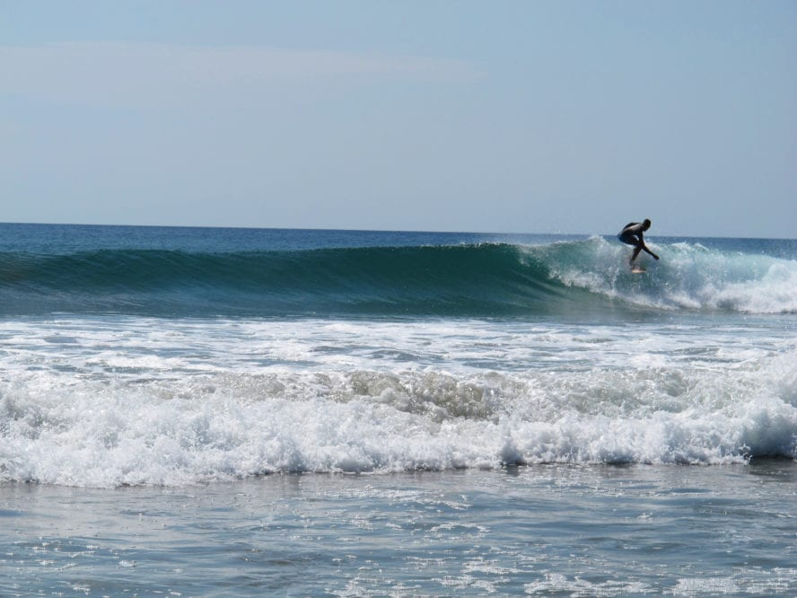 Popoyo surfing