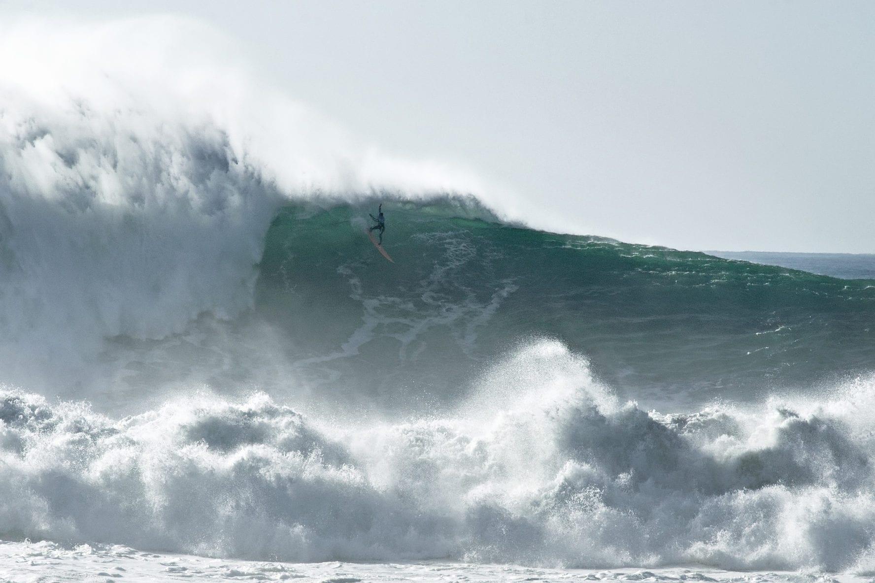 Nazare surfing