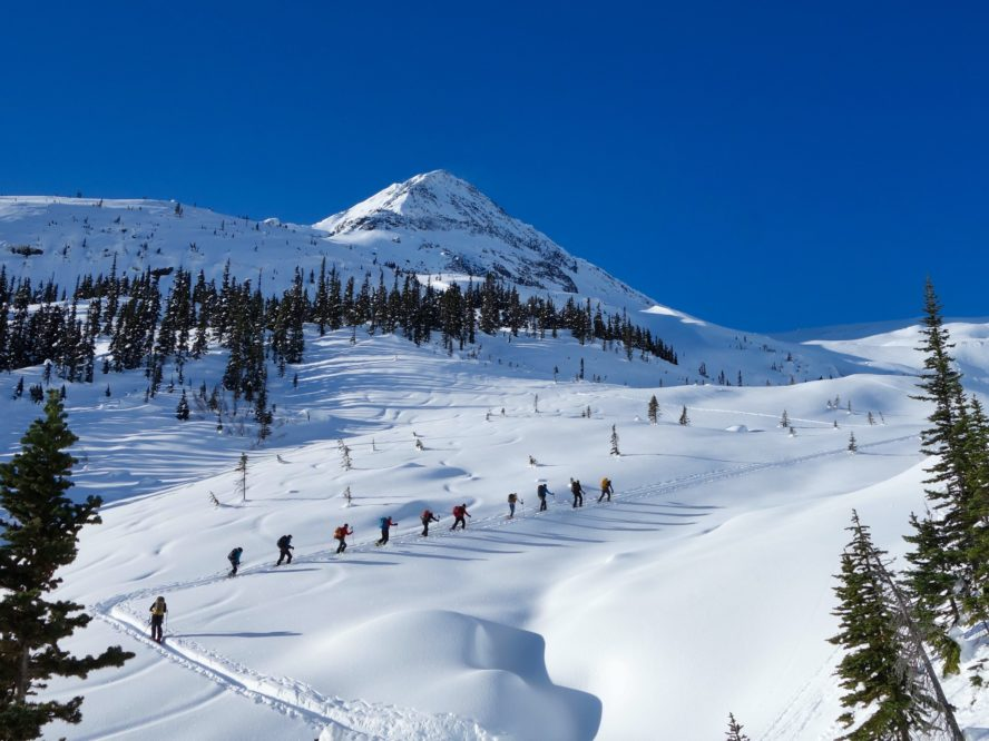 backcountry ski lodges british columbia