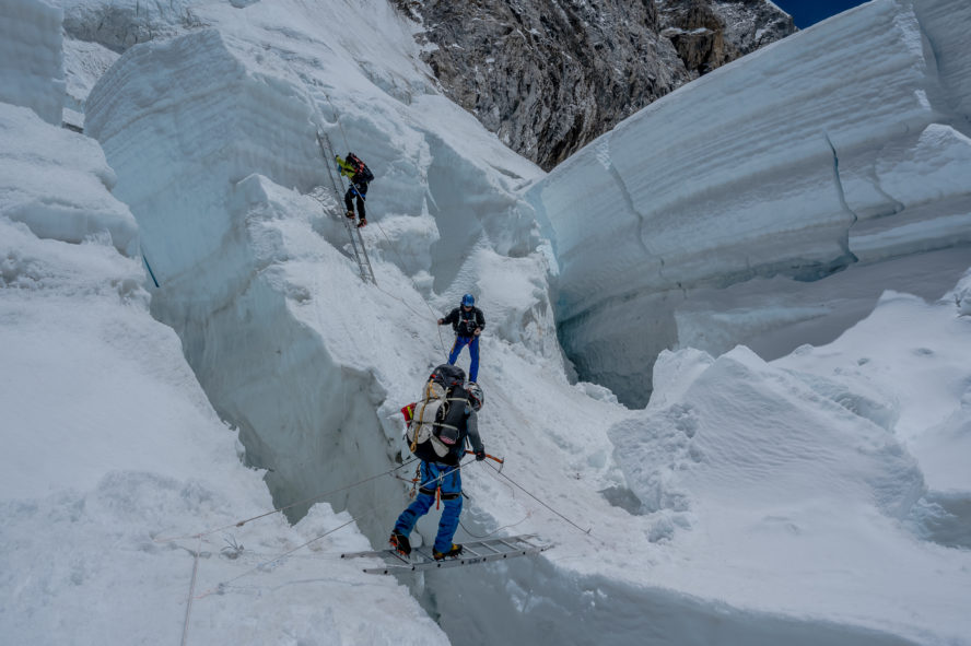 Mount Everest climbing