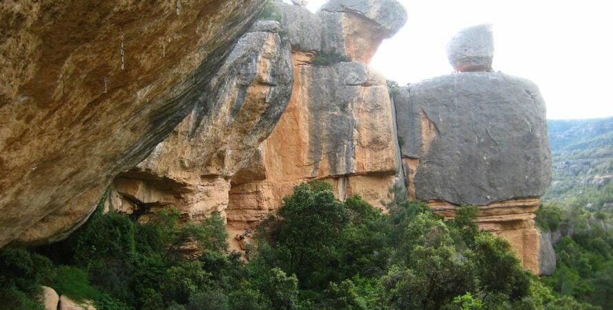 margalef rock climbing