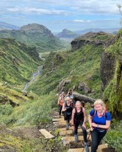all-womens-lauhgevegur-hike